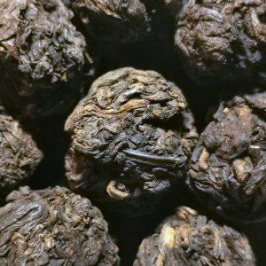 Herbata Pu-erh Dragon Pearl